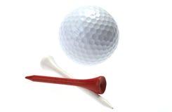 Pelota de golf y tes Fotografía de archivo libre de regalías