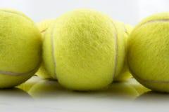 Pelotas de tenis del primer tres Imagen de archivo libre de regalías