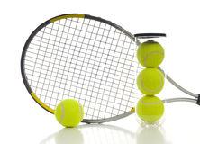 Pelotas de tenis y raqueta Imagen de archivo