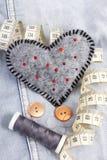 Pelote à épingles en forme de coeur Image libre de droits
