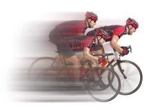 Peloton cykliści biec sprintem koniec obrazy stock