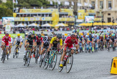 Peloton in Parijs - Ronde van Frankrijk 2017 royalty-vrije stock foto's