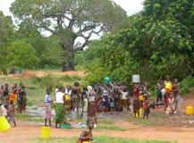 PEMBA, MOSAMBIK - 5 DESEMBER 2008: das Ritual umfasst war Stockbilder