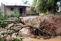 Pemba, Mozambique - 29 avril 2019 : Endommag? et inond? loge apr?s cyclone Kenneth images libres de droits