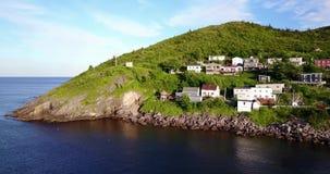 Península pequeña hermosa durante puesta del sol del verano, Terranova, Canadá del puerto almacen de metraje de vídeo