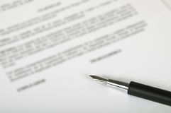 Pen And Contract Royalty Free Stock Photography