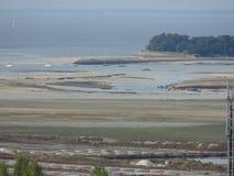 Pen Bron vu du clocher du village du mer de sur de Batz photos libres de droits