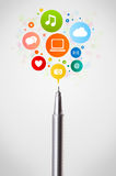 Pen close-up with social network icons Royalty Free Stock Photos
