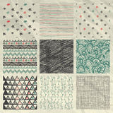 Pen Drawing Seamless Patterns su carta sgualcita Immagine Stock