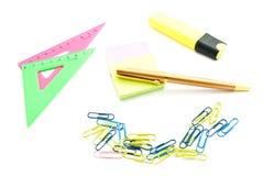 Pen en andere kantoorbehoeften op wit Royalty-vrije Stock Foto