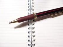 Pen en blocnote royalty-vrije stock afbeeldingen