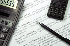 Pen en Calculator Royalty-vrije Stock Afbeelding