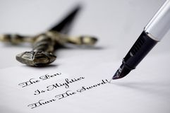 Pen en Zwaard royalty-vrije stock fotografie