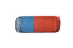 Pen Eraser di gomma blu e rosso usato isolato su bianco fotografia stock libera da diritti