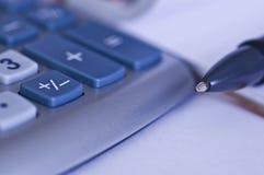 Pen met calculator Stock Afbeeldingen