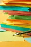 Pen met notadocument Stock Afbeelding