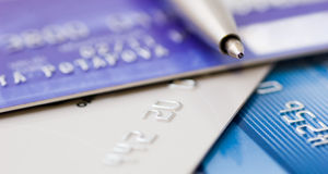 Pen over credit card Royalty Free Stock Photos