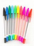 Pena da cor no papel verificado fotografia de stock royalty free
