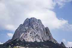 Pena de Bernal berg i Queretaro Mexico Royaltyfri Fotografi
