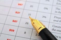 Pena de fonte e folha de dados Fotos de Stock Royalty Free