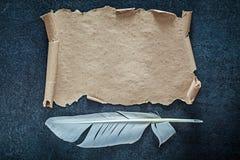 Pena de papel do vintage no fundo preto Imagem de Stock Royalty Free