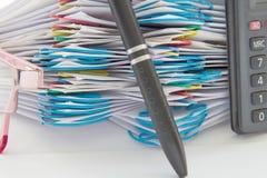 Pena do borrão e pilha da etapa do documento Fotos de Stock Royalty Free
