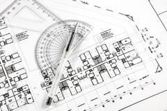 Pena e ferramentas arquitectónicas no modelo. Fotografia de Stock
