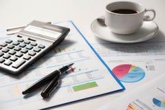 Pena e papel do relatório, negócio conceptual Fotografia de Stock