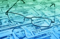 Pena, eyeglasses e gráficos imagens de stock royalty free