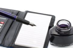 Pena tradicional do conceito do negócio, tinta da tinta na garrafa Fotografia de Stock