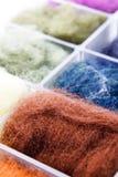 Penachos de las lanas antes del batanado Imágenes de archivo libres de regalías