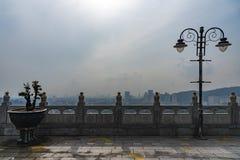 Penang cityscape i misten royaltyfri foto