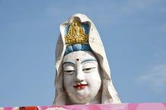 Penang Malaysia: Guan Yin Buddha på templet arkivbild