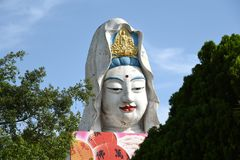 Penang Malaysia: Guan Yin Buddha på templet royaltyfri fotografi