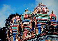 Penang Malaysia: Hinduisk tempel på den Penang kullen arkivbilder