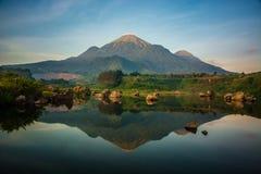 penanggungan的登上,mojokerto,东爪哇,印度尼西亚 图库摄影