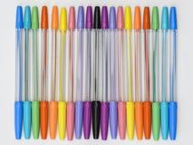 Penas de esferográfica do arco-íris Imagens de Stock