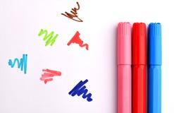 Penas de marcadores coloridas fotos de stock