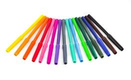Penas de ponta de feltro coloridas isoladas em um fundo branco Foto de Stock Royalty Free