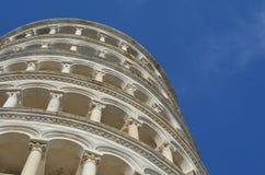 Penchement de nuages de l'Italie de ciel de Pise Images libres de droits