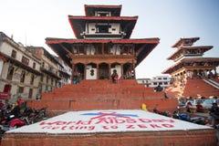 Pendant à la Journée mondiale contre le SIDA sur la place de Durbar, à Katmandou Photographie stock libre de droits