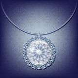 Pendant argenté avec des diamants Photographie stock libre de droits