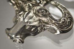 Pendant argent? de Taureau, taureau, buffle Signe de zodiaque d'astrologie photographie stock