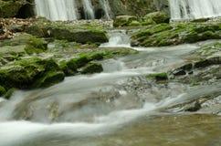 Pendant la cascade Photos stock