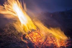 Pendant la nuit du feu Photo stock