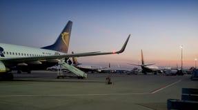 Pendant le matin à l'aéroport de Lisbonne Image stock