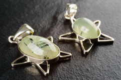 Pendants de Prehnite Photo libre de droits