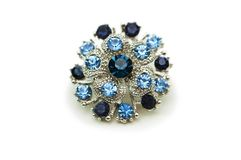 Pendente con le pietre blu isolate sul bianco Fotografie Stock