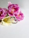 Pendente del cuore con i fiori Fotografia Stock Libera da Diritti