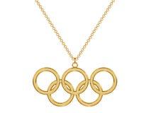 Pendente olimpico degli anelli dell'oro sulla catena Fotografia Stock